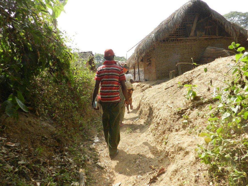 Arriving in the village of Foya